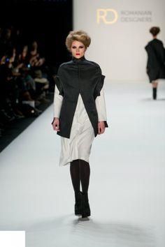 FOTO. Moda ROMÂNEASCĂ la Berlin Fashion Week. Ce designeri şi-au prezentat colecţiile la evenimentul care deschide sezonul internaţional al modei