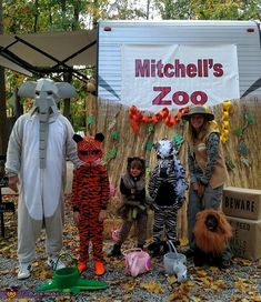 Mitchell's Zoo Family Costume - 2016 Halloween Costume Contest