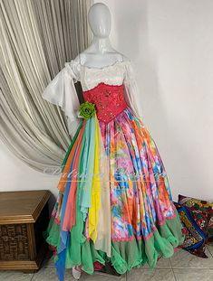 Indian Men Fashion, Mens Fashion, Gypsy, Indian Man, Lily Pulitzer, Ideias Fashion, Summer Dresses, Gypsy Style, Themed Outfits
