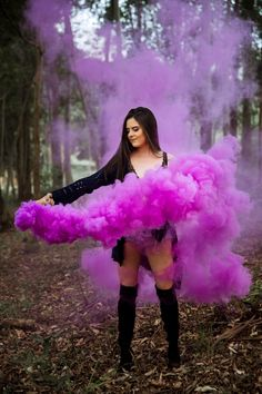 Excellent Photography Tips For Shooting Great Photos – Photography Smoke Bomb Photography, Photography Poses Women, Girl Photography Poses, Creative Photography, Walmart Photography, Grunge Photography, Photography Studios, Photography Courses, Photography Magazine