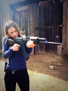 I'm official bored when I start saving photos of JJ wielding a giant gun! Too much Criminal Minds for me this morning. Aj Cook Criminal Minds, Criminal Minds Memes, Spencer Reid Criminal Minds, Jennifer Jareau, Penelope Garcia, Matthew Gray Gubler, Badass Women, Role Models, Favorite Tv Shows