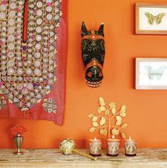This orange color. This rosy wall hanging