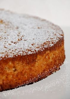 this recipe looks like its worth the trouble of deciphering! Bread Cake, Pie Cake, Sweet Recipes, Cake Recipes, Dessert Recipes, Sour Cream Chocolate Cake, Pastry Cake, Sweet And Salty, Four