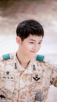 ผลการค้นหารูปภาพสำหรับ song joong ki wallpaper descendants of the sun Park Hae Jin, Park Seo Joon, Song Hye Kyo, Drama Korea, Korean Drama, Asian Actors, Korean Actors, Song Joong Ki Dots, Soon Joong Ki