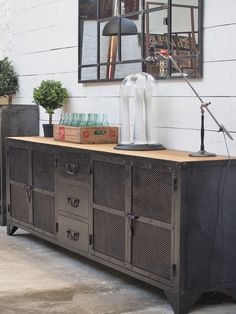 Enfilade industrielle 4 portes Industrial Sideboard with 4 doors Industrial Style Furniture, Vintage Industrial Furniture, Industrial House, Unique Furniture, Cheap Furniture, Furniture Projects, Furniture Design, Industrial Interiors, Industrial Lighting