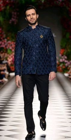 Sherwani Mens Indian Wear, Mens Ethnic Wear, Indian Groom Wear, Indian Men Fashion, Mens Fashion Suits, Men's Fashion, Party Wear Dress For Man, Mens Party Wear, Sherwani For Men Wedding