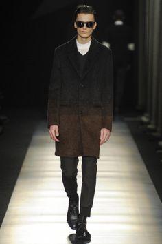 Sfilata Neil Barrett Milano Moda Uomo Autunno Inverno 2014-15 - Vogue