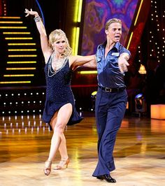 first cha cha cha i learn thxs derek hough and jennie garth dwts season 5 Jennie Garth, The Larry Sanders Show, Dancing Day, Derek Hough, Three Daughters, American Dad, Professional Dancers, She Movie, Reality Tv Shows