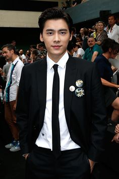 Chinese actor Li Yifeng at Dior Spring-Summer 2016 Men Fashion Show #PFW #RTW #SS16 #Dior #LVMH