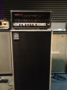 Sunn model T with Ampeg Cab