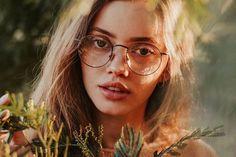 Sterre eyeglasses in Gold Color | Optical | TIJN Eyewear – Shop Prescription Eyeglasses & Blue Light Filter Glasses Online Eyewear Shop, Light Filter, Sunglasses Online, Prescription Lenses, Looking For Women, Eyeglasses, Makeup, Blue, Color