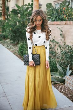 Mottled Sweater with Yellow Maxi Skirt, Accessories and Leather Handbag