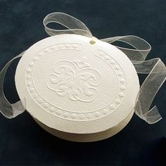 Florentina Jordan Almond Favor Box Jordan Almonds, Communion Favors, Italian Traditions, Personalized Ribbon, Organza Ribbon, First Holy Communion, Favor Boxes, Cello, Baroque