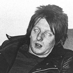 Rat Scabies (Christopher John Millar) photo by Julia Gorton. Unknown Pleasures, 70s Music, Post Punk, Rats, Experimental Music, Pistols, Instagram Posts, Icons, 1970s Music