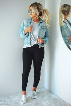 26 Ladies Outfit Trends That Will Make You Look Stylish Outfit Outfit Spring summer fashion outfits! Casual fashion cute and chic teenage outfits how to wear casual outfits ideas 2019 winter outfits Outfit Jeans, Elegantes Outfit Mit Jeans, Robes Glamour, Cute Casual Outfits, Cute Jean Jacket Outfits, Cute Everyday Outfits, Cute Spring Outfits, Spring Outfits Women Casual, Casual Chic