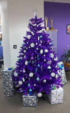 Purple Christmas Tree - I would love to get my hands on one of these or even a mini! If I can't find one, I will try to find purple lights for Christmas 2015 and beyond to decorate my white Christmas tree in support of Purple Christmas Decorations, Purple Christmas Tree, Beautiful Christmas Trees, Noel Christmas, Winter Christmas, All Things Christmas, Holiday Decor, Christmas Photos, Xmas Trees