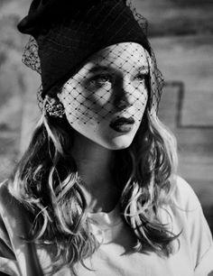 hat veil, veil beanie, armani privè, web veil on shades, laetitia casta veil, milano fashion week, what to wear, fashion trends, trends, veletta, street style looks,