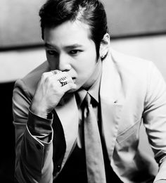 Jang Geun Suk - holy shit he looks hot here, even more than usual!