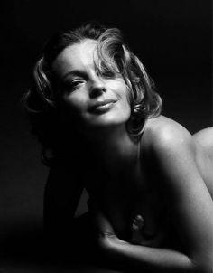 Portrait of Romy Schneider by Will Mcbride, 1964 Romy Schneider, Jeanne Moreau, Luchino Visconti, Foto Portrait, Gena Rowlands, Faye Dunaway, Alain Delon, Glamour Photography, Timeless Beauty