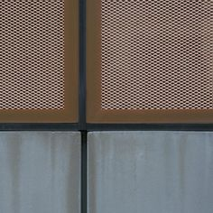 See. The copper mesh facade of the Des Moines Library by David Chipperfield up close. Perfectly executed details.