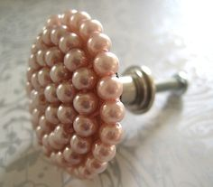 I would love a dresser with these pulls ♥