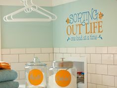 Great color scheme I wouldn't have thought of: blue and orange, yes, but it still looks great with turquoise!