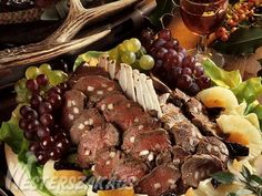 Tűzdelt őzgerinc hidegen recept Pot Roast, Ethnic Recipes, Food, Carne Asada, Roast Beef, Meal, Eten, Meals, Beef Stews