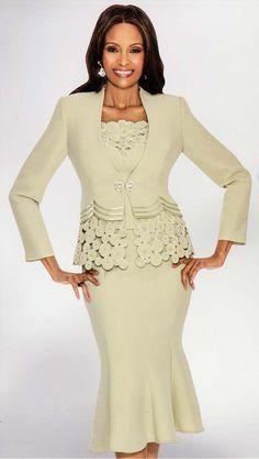 Susanna Skirt Suits for Church - Fall 2019 Teen Fashion Outfits, Suit Fashion, Fashion Dresses, Cute Skirt Outfits, Outfits With Hats, Womens Dress Suits, Suits For Women, Church Dresses For Women, Girls Dresses