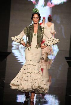 Fotografías Moda Flamenca - Simof 2013 - NUEVO MONTECARLO - SIENTE ABRIL - Foto 15