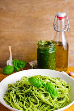 Pasta with basil pesto. Traditional homemade italian spaghetti pasta and basil p , Basil Pasta, Pesto Pasta, Wine Recipes, Cooking Recipes, 15 Minute Meals, Vegetarian Recipes, Spaghetti, Yummy Food, Lunch
