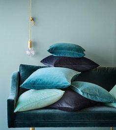 Velvet Fabric creates perfect home decor items for accents to a sofa! The blue Velvet Pillows sure set the mood! Velvet Lounge, Velvet Cushions, Blue Cushions, Blue Throw Pillows, Throw Cushions, Blue Lounge, Velvet Duvet, Lounge Cushions, Sofa Throw