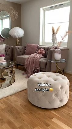 Glam Living Room, Decor Home Living Room, Living Room Sofa Design, Living Room Seating, Home Decor Furniture, Living Room Furniture, Living Room Designs, Romantic Living Room, Living Rooms