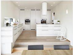 Kjøkken Kitchen Dining, Kitchen Island, Dining Room, Cuisines Design, Interior Design Kitchen, Decoration, New Homes, Table, Furniture