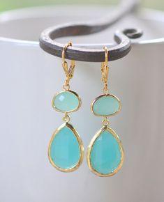 Large Turquoise Teardrop and Aqua Stone Dangle Bridesmaid Earrings in Gold.  Glass Drop Earrings. Bridesmaids Turquoise Dangle Earrings.