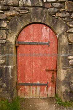 stone archway | Stone Arch Doorway With Ironwork At Fortress Of Louisbourg National ...