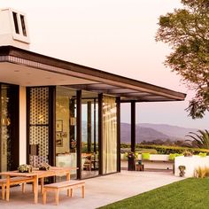 Take a look inside Jann and Michael Jaffe's breathtaking Riviera home -- a true example of California modernism. Featured recently in Santa Barbara Magazine. (via SB Magazine, photo by Lisa Romerein) http://sbmag.com/2015/04/visual-effects/ #SantaBarbaraBrokers #SantaBarbara #Realtors #Montecito #DreamHomes