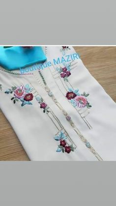 Embroidery Suits Punjabi, Hand Embroidery Dress, Embroidery Neck Designs, Embroidery Suits Design, Embroidery Fashion, Machine Embroidery, Western Dresses For Women, Stylish Dresses For Girls, Stylish Dress Designs