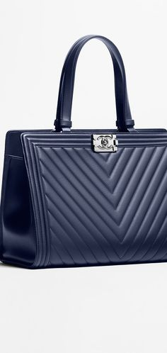 Large shopping bag, calfskin-dark navy blue - CHANEL