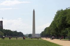 View of the Washington Monument on the Washington DC Hop-on Hop-off Trolley Tour