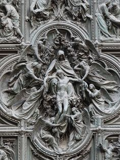 Milan Cathedral (Duomo) Close-up of the front door (2736×3648)