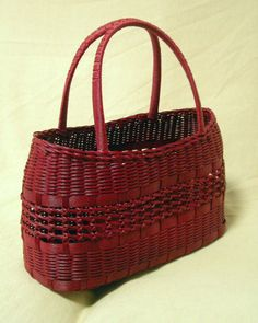 Bamboo Weaving, Basket Decoration, Paracord, Hand Bags, Handicraft, Making Out, Purses And Bags, Baskets, Mesh