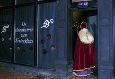 Sinterklaas slaapt in Bussum Lockers, Locker Storage, Furniture, Home Decor, Decoration Home, Room Decor, Locker, Home Furnishings, Home Interior Design