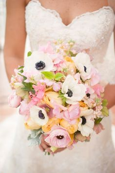 have to see this gorgeous vintage themed wedding! Gorgeous pale pink, white and yellow bridal bouquet -- love those anemones!Gorgeous pale pink, white and yellow bridal bouquet -- love those anemones! Wedding Beauty, Dream Wedding, Wedding Day, Wedding Bells, Poppy Flower Bouquet, Anemone Bouquet, Vintage Wedding Theme, Floral Wedding, Bridesmaid Bouquet