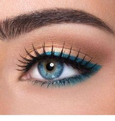 Ideas Eye Makeup Blue Eyeliner Make Up For 2019 Blue Eyeliner, Eyeliner Looks, Eyeshadow Looks, Eyeshadow Makeup, Coloured Eyeliner, Turquoise Eyeliner, Neutral Eyeshadow, Yellow Eyeshadow, Eyeshadow Palette