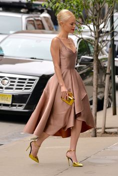 Kate Bosworth Street Style | Gorgeous silk dress and gold metallic heels @stylecaster