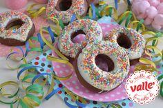 Ciambelle multicolor al forno per i bambini a #carnevale...un dolce simpatico e non fritto! Scopri la ricetta....