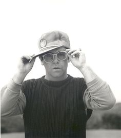 Elton in photo session for Jump Up! album, 1982