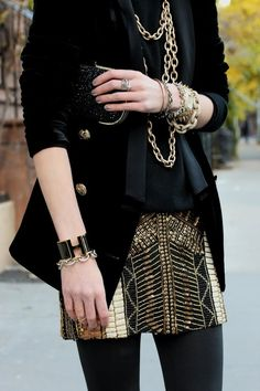 statement skirt and all black look