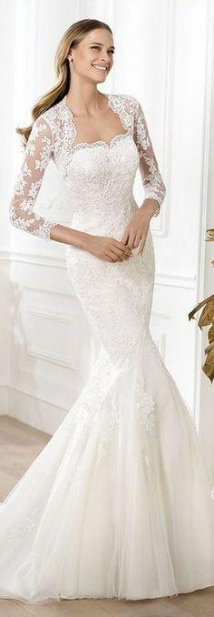 I like the dainty style of the dress.