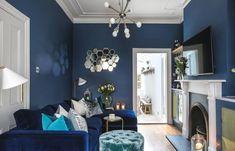 Blue Feature Wall Living Room, Dark Blue Feature Wall, Navy Living Rooms, Blue Living Room Decor, Best Living Room Design, Accent Walls In Living Room, Navy Accent Walls, Blue Walls, Navy Blue Decor